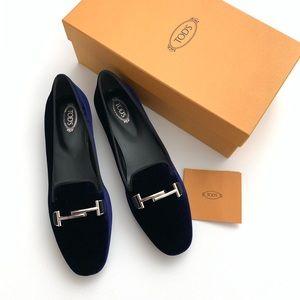 Tod's • velvet loafers